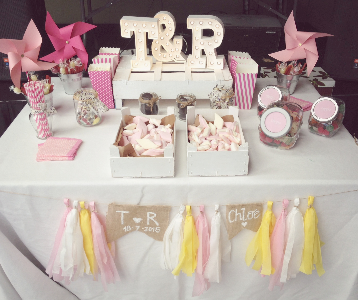 Candy bar bespoke taller de eventos - Decoracion de bar ...
